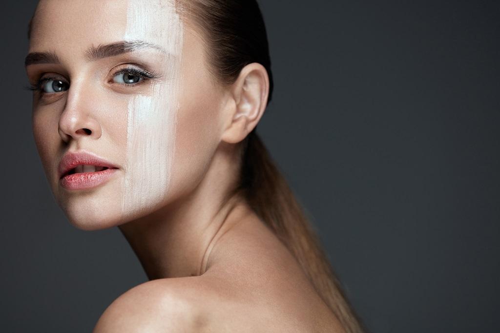 Zabiegi odmładzające na twarz. Najpopularniejsze zabiegi dla skóry młodej i dojrzałej