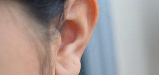 Operacja plastyczna uszu. Na czym polega korekcja uszu?
