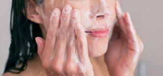 Złuszczanie naskórka – rola zabiegów złuszczających w pielęgnacji twarzy